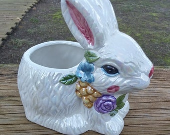 Easter Bunny Ceramic - Hermitage Pottery Design by Cheryl Schwier Limited Edition Made in China/#easter/#spring/#hermitage/#bunny/#rabbit