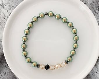 LIMITED EDITION - Beaded Bracelet in Olive Glow - Fall Collection