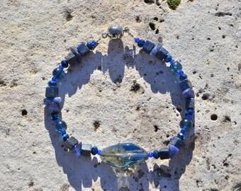 Blue lapis lazuli bracelet
