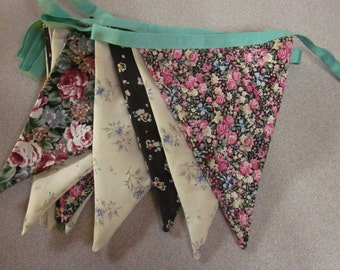 Vintage Floral Decorative / Party Bunting