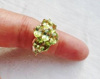 PERIDOT 14K Yellow Gold Vtg Ring Cluster Oval Gemstone August Birthstone Statement Estate Fine Jewelry Size 6