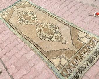 Faded oushak runner,oushak rug runner,soft color Turkish hallway rug,runner faded muted rug boho rug runner.8'2x2'9