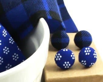 BOUTON TISSU - Boucles d'Oreilles - Studs Acier Inoxydable - Tissu Récupéré - Cabochons Tissu -  Boutons d'Oreilles - Puces d'Oreilles Bleu
