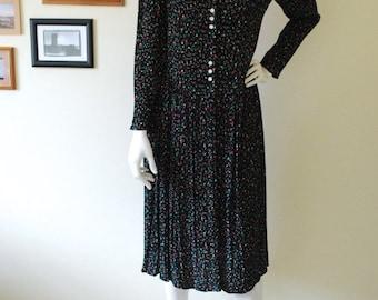 ON SALE Vintage 40s style floral tea dress // Size 10