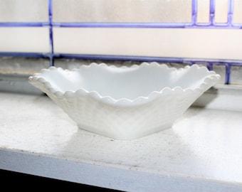 Vintage Milk Glass Candy Dish Nut Bowl Diamond Weave