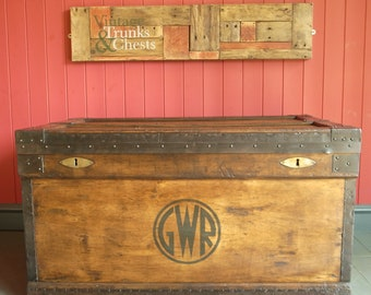 VINTAGE INDUSTRIAL Chest Coffee Table Wooden Storage Trunk GWR Box Furniture