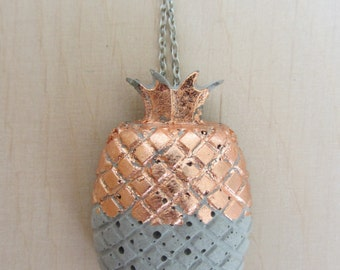Concrete pineapple links necklace