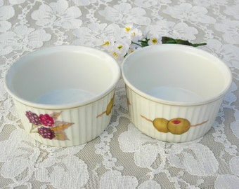 2 Small Royal Worcester Ramekins (bowls), fine British porcelain, Evesham pattern, for sweets, condiments, candies, 1970s