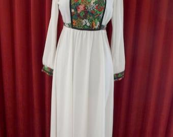 Beautiful 1970's Maxi Dress