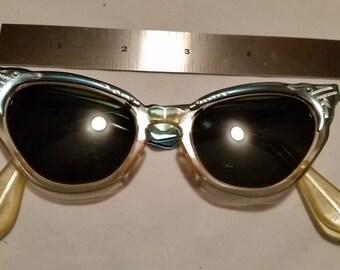 Vintage Blue Crome Aluminum CAT EYE Sunglasses