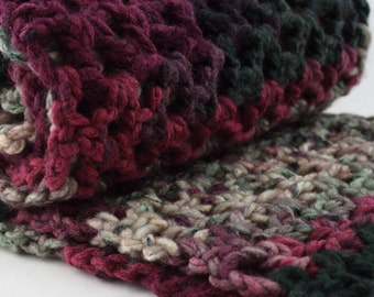 Oversized Infinity Scarf, Warm Winter Fashion, Burgundy & Green Christmas Scarf, Chunky Scarf,  Crochet Gift for Her, Cowl