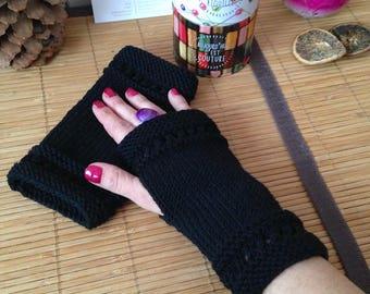 Short semi-ajourees hand knit fingerless gloves, 100% Merino Wool, black