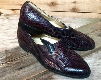 Women's Vintage Snakeskin Shoes Flats Vtg Violet Purple Exotic Leather Loafers by Stacy Adams Women's Size 8 1/2 Men's 7