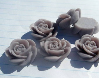 10 OPEN ROSE Cabochons - 20mm - Light Gray Color