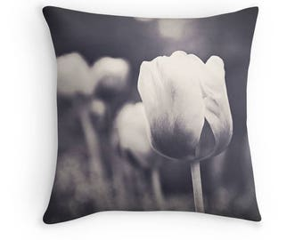 Black and White Tulips Pillow Cover Dandelion Tulip Photography Living Room Bedroom Flower Photo Throw Pillow Case Spring Pillow