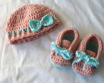 Baby Hat and Shoe Gift Set