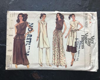 Misses' Tunic or Top and Belt, Skirt and Pants Pattern // Vogue 7130, size 6-8 > Unused