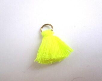 Big yellow Pompom neon 2.5 cm