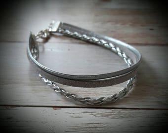 Bracelet Semi leather three-row silver.