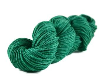 Worsted Yarn, Superwash Merino yarn, worsted weight yarn, wool yarn, 100% Superwash Merino, green yarn, worsted merino - Christmas