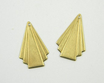 Brass Art Deco Charm, Triangle Pendant, Brass Art Deco Drop, Raw Brass Stamping, 17mm x 25mm - 6 pcs. (r310)