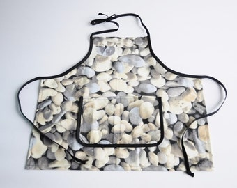 Child Apron Stone Pattern