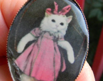 Vintage Victorian Cat Cabochon  Adjustable Ring