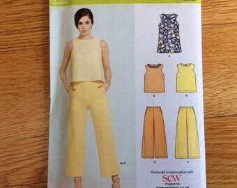 Misses' Top Pattern Tunic Pattern Cropped Pants Pattern Sizes 8 10 12 14 16 18 20 Waist 24 - 34 Bust 31.5 - 42 New Look K6459 - Uncut Summer