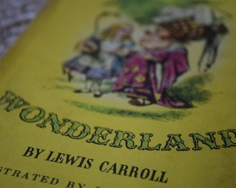 Alice's Adventures in Wonderland. Lewis Carroll. Illustrated by John Tenniel. A Puffin Story Book. PS35. 1946