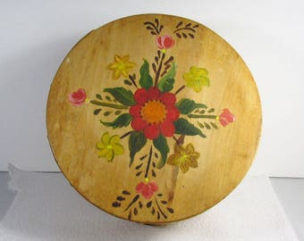 Vintage hand painted wood shaker box with lid signed G Holmes