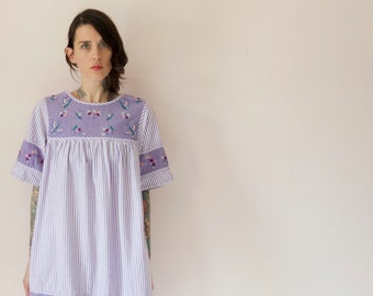 1970s vintage embroidered dress// purple and white babydoll hippie midi short sleeve dress with embroidery// small medium