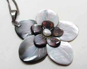 Vintage sterling silver chain & large mother of pearl pendant necklace