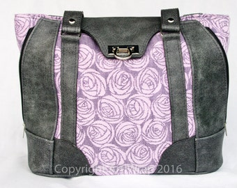 Amor Avenue, Convertible leather handbag with Oscha Amor Roses #1