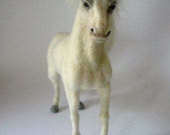 Needle Felted White Horse /Custom made horse miniature/ OOAK / Custom Miniature Sculpture of your horse