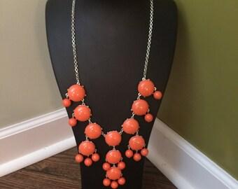 Collar naranja grande