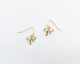 simple ribbon earrings
