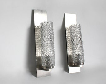 Rare Pair of 1970s wall sconces. Minimalist midcentury modern wall lights. chrome cylindrical shades , minimalist style
