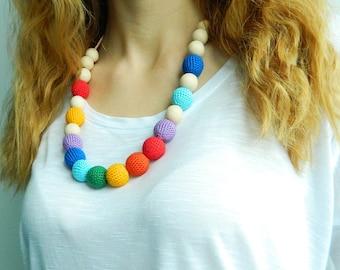 Rainbow Nursing necklace Crochet teething necklace New mom necklace Breastfeeding Babywearing necklace New baby gift Natural necklace Wooden