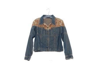 gorgeous EMBROIDERED JEAN JACKET womens large / vintage jean jacket denim jacket cropped jacket jean jacket women