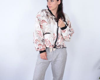 Vintage Floral Patterned Jacket with Shoulder Pads.