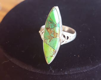 STERLING SILVER green turquoise vintage ring