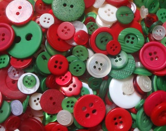 100 Christmas Mix Sewing Buttons Green Red White