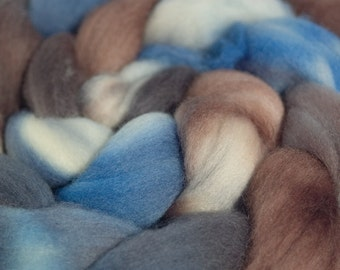 Hand dyed Falkland wool top,  4oz in Winter Is Coming
