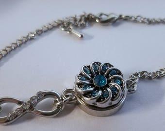 Mini Blue Sparkle Infinity bracelet