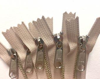 9 inch metal zippers wholesale, TEN nickel YKK zippers, YKK natural beige color 572, silver teeth zips