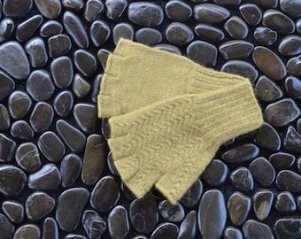 Olive Green Angora Gloves, Green Half Finger Gloves, Small, Green Fingerless Gloves, Naturally Dyed Angora Gloves, Olive Green Gloves, OGS