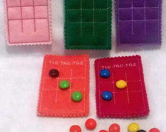 Felt Tic Tac Toe Mat - eco friendly f elt - Felt board with bag and you add the candy pieces - game -  #3904