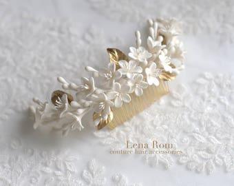 Bridal hair comb. Wedding headpiece. Bridal headpiece. Blossom headpiece. Hair comb. Back headpiece. Boho headpiece. Style 723