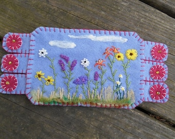 Flower Fiber Art, Flower Embroidery, Summer Wildflowers Coffee Coaster, Mug Rug