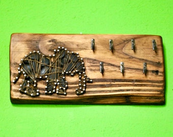 Key hanger/Jewelry organizer Elephant String Art in recycled wood